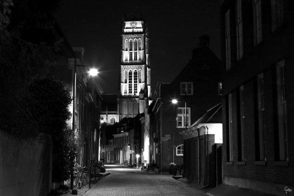 Foto aan de muur Zaltbommel By Night Sint-Maartenskerk | Brandwijk Fotografie